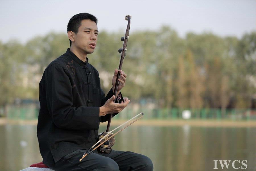 中国传统木乐器拉弦系列——二胡