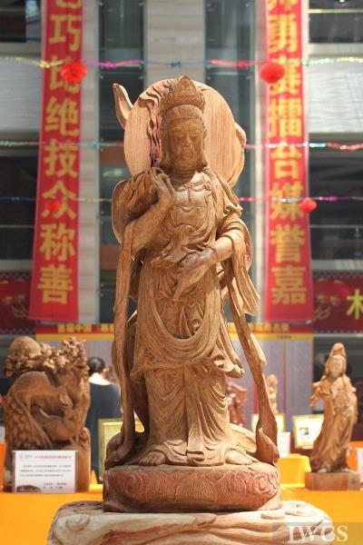 佛像雕刻,端庄生动——访沈美波工艺美术师